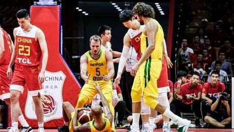 Brasil joga bem e volta a vencer a China em amistoso antes do Mundial de Basquete.