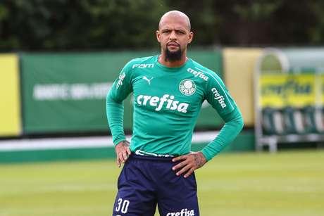 Jogador Felipe Melo durante treino do Palmeiras