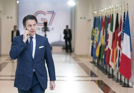 Premier demissionário, Conte é elogiado no G7