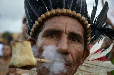 Grupos em defesa do meio ambiente, representantes de grupos indígenas e populares protestam em favor da Amazônia e contra a política ambiental do governo Bolsonaro