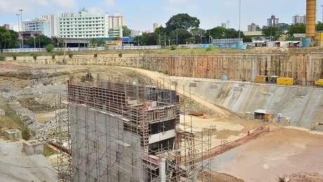 Burocracia é apontada como um dos principais entraves para acesso a recursos do FGTS para financiamento; acima, obra de saneamento em São Bernardo do Campo (SP), em foto de 2018