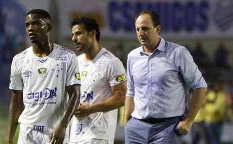 Ceni e o Cruzeiro terão um dilema pela frente, devido a posição ruim no Campeonato Brasileiro-(Thiago Parmalat/ Lightpress/ Cruzeiro)