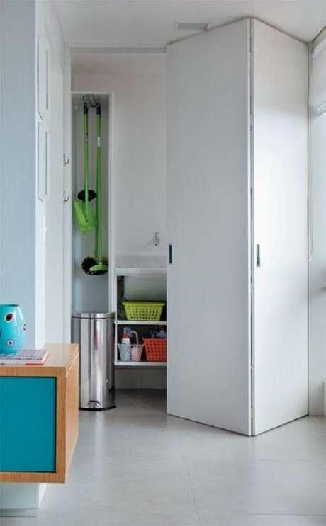 63. A porta camarão maximiza o espaço da lavanderia. Fonte: Ricardo Melo e Rodrigo Passos