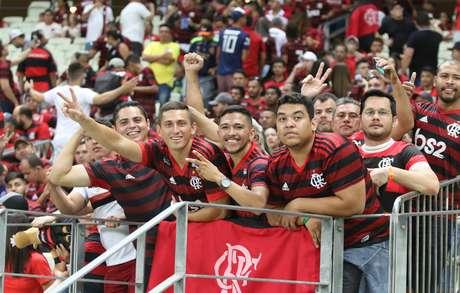 Torcida do Flamengo comemora vitória diante do Ceará, pela 16ª rodada do Campeonato Brasileiro 2019