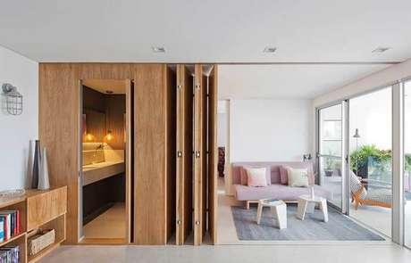 66. Apartamento compacto com porta camarão. Fonte: Pinterest