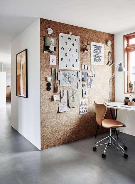 5. Toda uma parede pode ser revestida com cortiça. Foto: Prosa de Designer