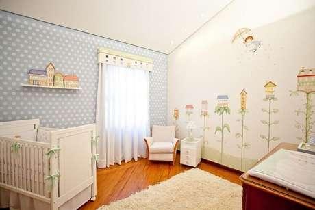 69. Cortina para janela para quarto com desenhos combinando com o papel de parede – Por: Pinterest