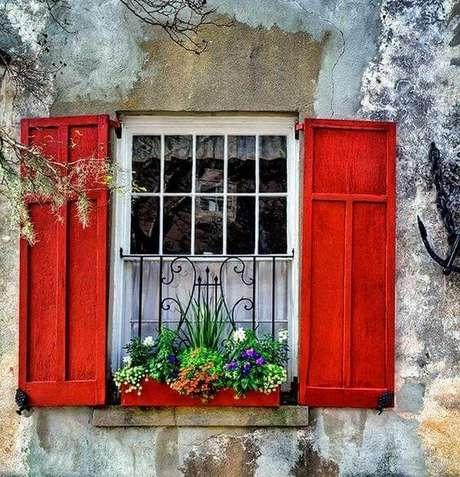 18. As grades são usadas na janela para quarto como forma de proteger o ambiente – Por: Minimalist