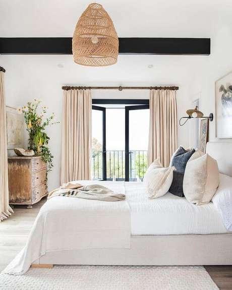 21. Combine a sua janela para quarto com uma linda cortina – Por: Trends