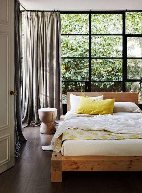27. A cama pode ficar em frente a janela para quarto – Por: Porto Bello