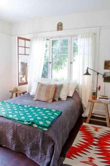 32. Mantenha a janela para quarto aberta durante o dia para ventilar o ambiente – Por: Pinterest