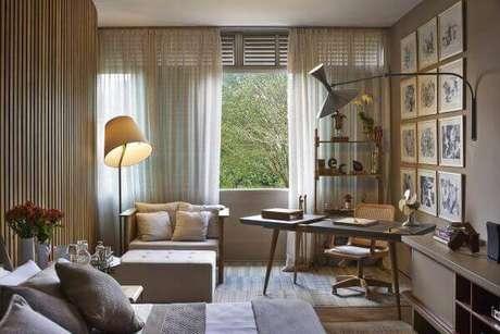 42. Janela para quarto de casal com ambiente para home office – Por: Eduarda Correa