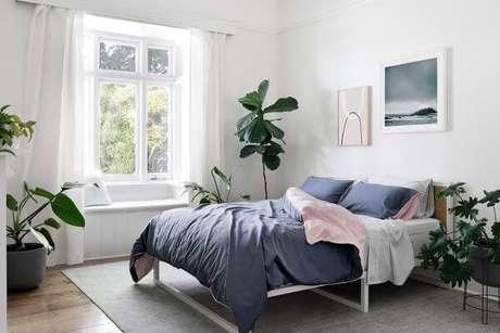 60. A janela para quarto pode ser iluminada e combinar com o ambiente – Por: Hunting For George