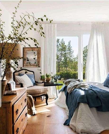 25. Na dúvida, use as cortinas de voil para decorar a janela para quarto – Por: Pinterest