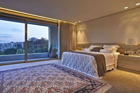 20. Use a janela para quarto como forma de ampliar o ambiente – Por: Gislene lopes