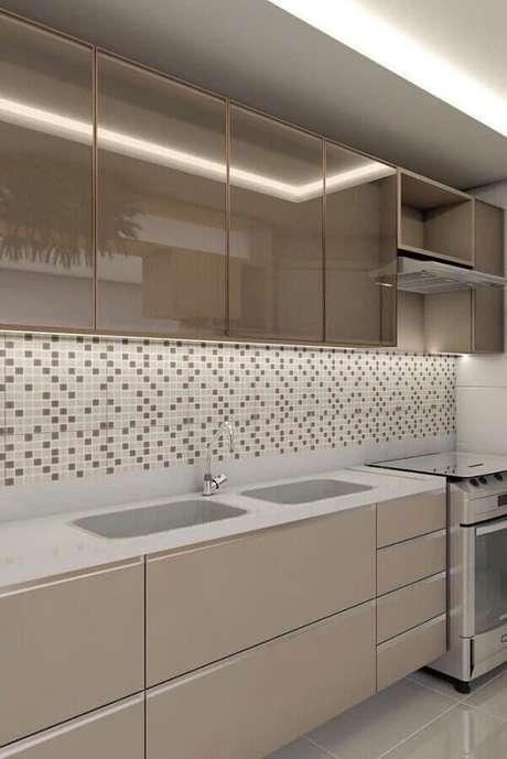 53. Decoração em tons neutros com pastilhas de vidro para cozinha – Foto: Arquitetura Archives