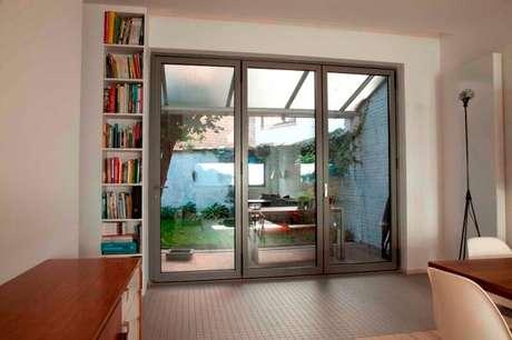 6. Mesmo fechada, esse tipo de porta pode não vedar completamente o ambiente