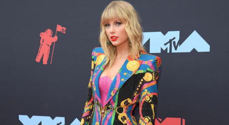 Taylor Swift (Foto: Divulgação/Versace/GettyImage)