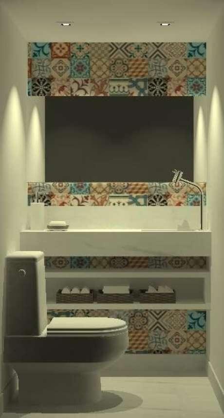 9. Para transformar o ambiente, você pode usar adesivo de azulejo para banheiro. Projeto de Igor de Moraes Figueiredo