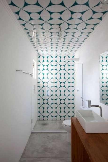 4. O azulejo para banheiro pode ser usado até mesmo no teto