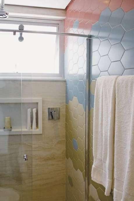 11. Você pode usar azulejos de cores diferentes para fazer algo diferente. Projeto de Pinheiro Guimarães Ravaglia Philot Arquitetura