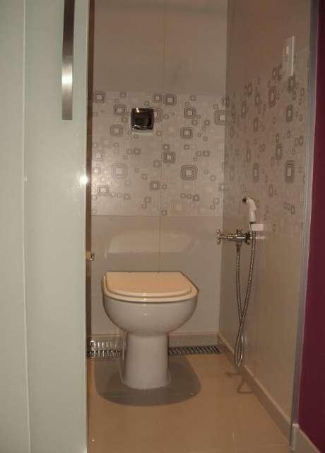 64. Azulejo para banheiro com estampas geométricas. Projeto de Andre Martins