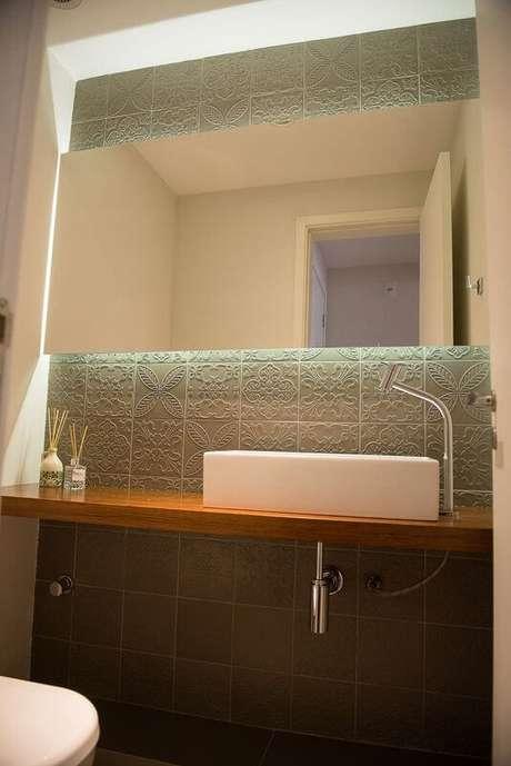 59. Azulejo para banheiro verde com textura. Projeto de Ronaldo Assim