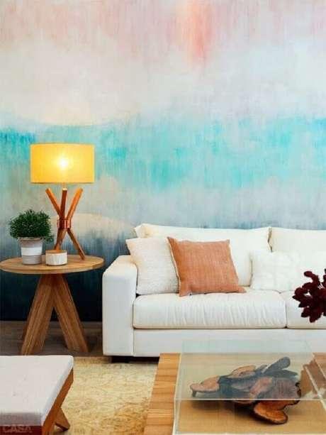 27. O sofá branco combina facilmente com diversas outras cores dando mais possibilidades de estilos de decoração – Foto: Blog Achados de Decoração