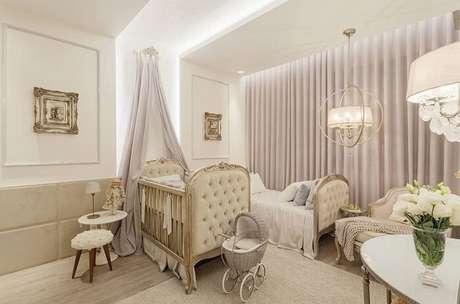 44. Quarto de bebê com decoração clean seguindo o estilo provençal. Fonte: Casa Abril