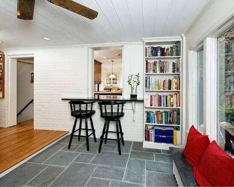 7. O piso ardósia é uma ótima opção para a cozinha – Por: Pinterest