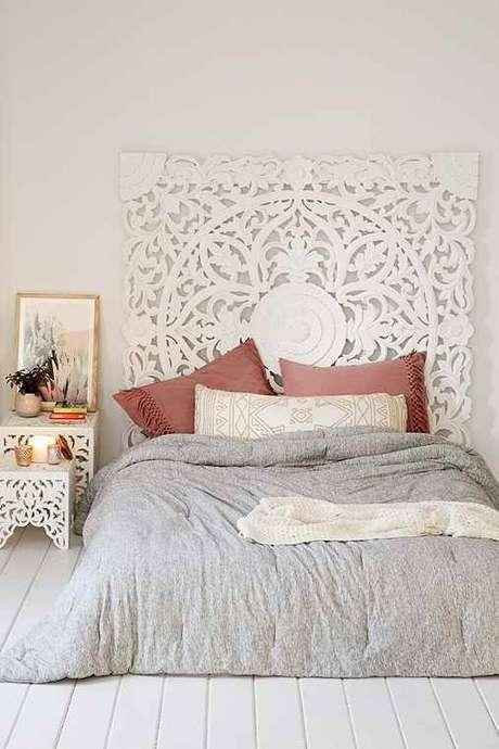 13. Pisos para quarto de madeira na cor branca – Por: Urbanoutfitters