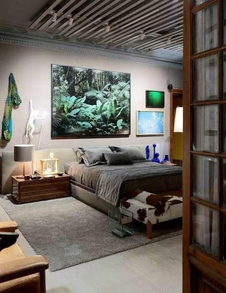 36. Os pisos para quarto do tipo de laminado cinza são modernos para usar na decoração – Por: Casa Cor