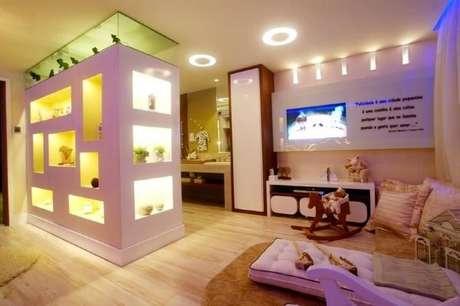44. Use pisos para quarto infantil que sejam práticos para limpar – Por: Nicolle do Vale