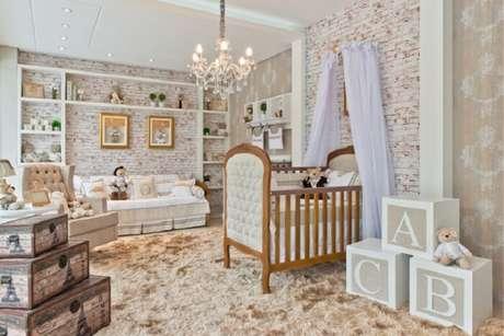 50. Quarto de bebê que mescla o rústico e o luxo do estilo provençal. Fonte: Pinterest