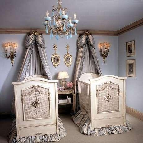 37. Quarto de gêmeos decorado com berço provençal. Fonte: Tua Casa