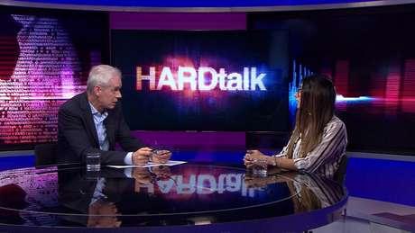 'Todas essas histórias de garotas cujas vidas foram arruinadas (...) me fazem sentir que foi bom começar a conversar e dar essa entrevista', disse Khalifa em entrevista à BBC