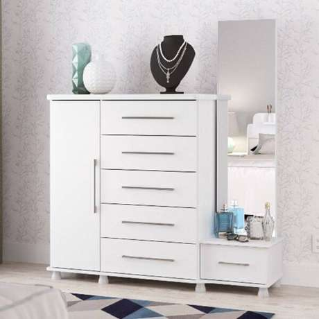 20. A cômoda conta com a presença de uma sapateira com espelho e 6 gavetas. Fonte: Pinterest