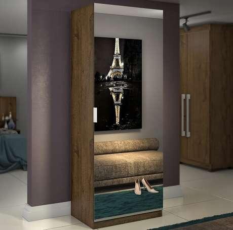 24. A sapateira com espelho pode se tornar uma peça protagonista no seu quarto. Fonte: Madeira Madeira