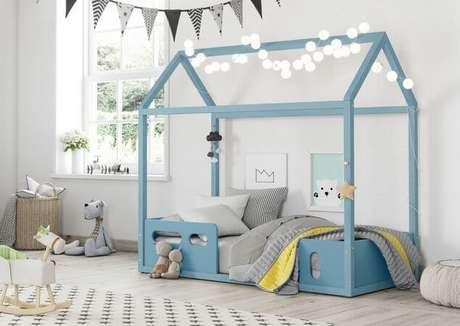 9. Quarto com cama casinha azul para quarto de menino – Por: Sathler Baby
