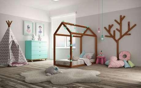 13. Capriche na decoração do quarto com cama casinha infantil – Por: Sleeper Baby