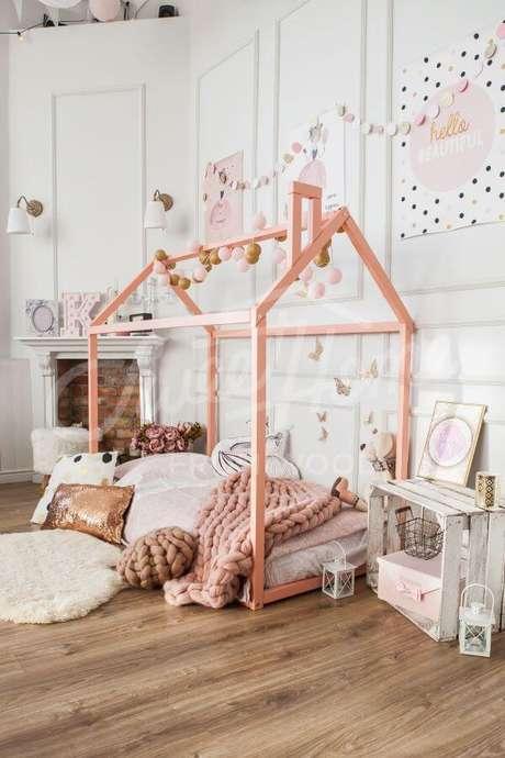 15. Inclua os detalhes que seus filhos mais gostam para fazer uma linda decoração na cama casinha – Por: Pinterest