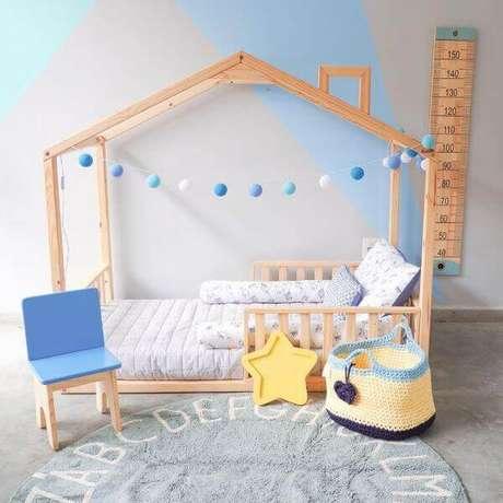 24. Cama casinha infantil com grades para crianças – Por: Muskinha