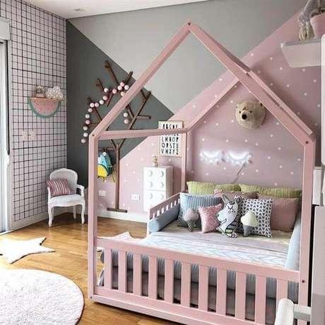 39. Cama casinha montessoriana para quarto rosa e cinza – Por: Artesanato Passo a Passo