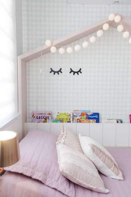 48. Decoração de quarto de menina com cama casinha – Por: Nathalia Bilibio