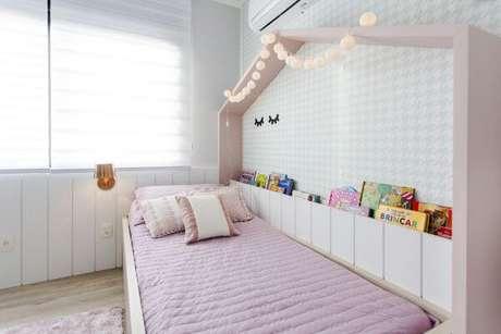 52. O quarto de menina com cama casinha é delicado e lindo – Por: Nathalia Bilibio
