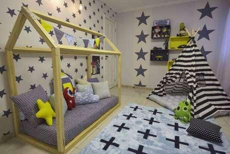 57. Escolha cores lindas para decorar o quarto com cama casinha – Por: Andrea Bento