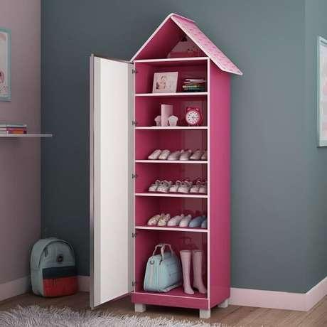 44. Sapateira com espelho modelo casinha para quarto infantil. Fonte: Pinterest