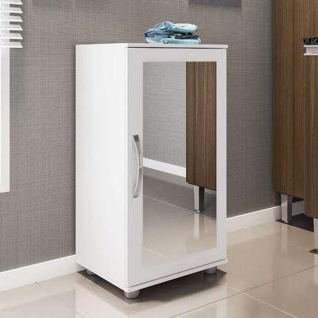 46. Sapateira com espelho pequena ideal para ambientes compactos. Fonte: Pinterest