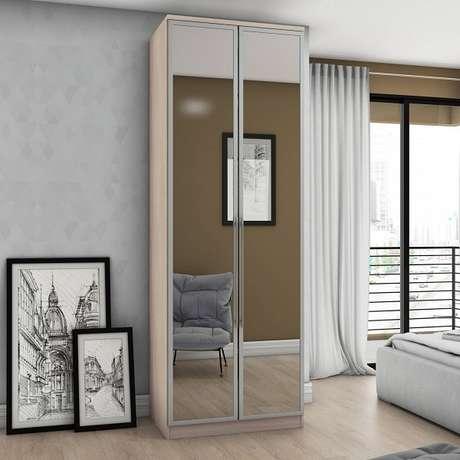 4. Sapateira com espelho duas portas maximiza o ambiente do quarto de casal. Fonte: Madeira Madeira
