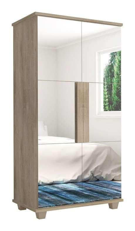 52. Sofisticação e requinte com essa sapateira com espelho duas portas com acabamento de madeira clara. Fonte: Pinterest